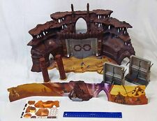 Star Wars Hasbro 2002 AOTC 3 3/4 Geonosis Battle Arena Playset 1 Missing Piece