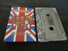 THE SCREAMING JETS LIVING IN ENGLAND ULTRA RARE AUSSIE CASSINGLE!