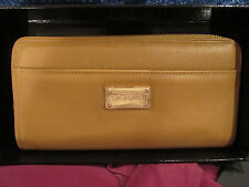 NEW ST JOHN KNIT TAN BISCUIT WALLET GOLD LOGO LEATHER