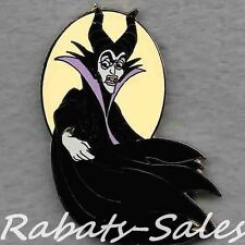 Maleficent - Sleeping Beauty Villain - Cape & Glow - Disney Auctions Pin LE1000
