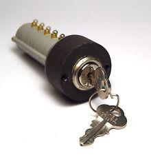 Janco Sicherheits-Schlüsselschalter, 5x UM Schalter, 115 Volt / 5 Ampere, NOS