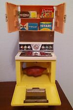 Vintage Deluxe Reading Barbie doll Dream Kitchen Stove lights up + food boxes