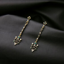 Boucles d`Oreilles Clous Doré Long Fin Art Deco Filigrane Perle Vert Class BB 13