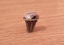 Casa De Muñecas En Miniatura Artesanal papel de desecho bin hecho a mano Salón cesta estudio lgw