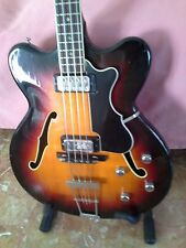 Hofner Verythin bass del 1966