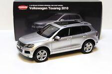 1:18 Kyosho Volkswagen Touareg 2010 silver NEW bei PREMIUM-MODELCARS