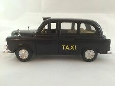 WELLY LONDON BY TAXI CAB   No 9050