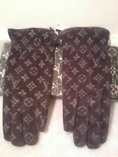 NEW Louis Vuitton Logo Brown Suede Gloves Looks nice with handbag coat