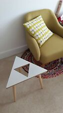 Zelda style triforce table basse mobilier design gaming