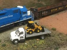 HO Scale Walthers Boley IAIS Flatbed Truck Iowa Interstate Custom Cat Loader MOW