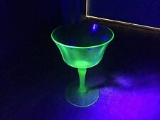 1930S VINTAGE VASELINE URANIUM GLASS GREEN DEPRESSION WINE LIQOUR GLASS STEM
