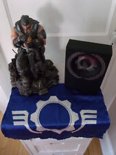 Gears of War 3 Epic Edition Marcus Fenix Statue and Octus Award Box