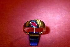 Ring 333/- Gelbgold, 1 Rubin-Navette, fac., W-56, matt/glänzend.
