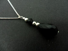 A PRETTY  BLACK  GLASS CRYSTAL TEARDROP NECKLACE. NEW.