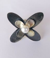 Sterling Silver Round Flower Ring With White Freshwater Pearl, Size 7.