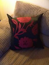 4 22 Inch Trendy Red And Black cushion covers..
