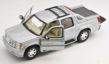BLITZ VERSAND Cadillac Escalade EXT Pick-Up 2002 silber Welly Modell 1:24 NEU 30