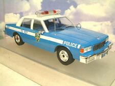 MCG MODELS 1/18 1985 CHEVROLET CAPRICE US POLICE CAR NEW YORK NYPD BLUE/WHITE