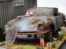 "1/18 TRIUMPH SPITFIRE IV BARN FIND DIORAMA CODE 3 ""ANDREW GREEN"" 1970"