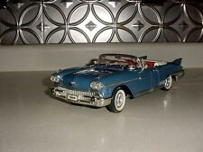 1/18th Die-Cast Metal 1958 Cadillac Eldorado Biarritz Road Legends Convertable