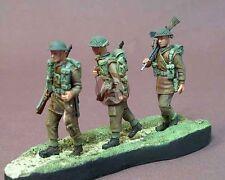 """Resicast 1/35 """"Marching Order"""" British Bren Gun Team WWII (3 Figures) 355570"""