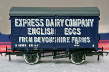 Bachmann Branch-Line OO 12t Southern Vent Van Express Dairy Co. English Eggs