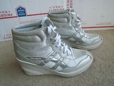 Womens Skechers silver Lace Up Hidden Wedge Platform High-Top Sneakers Size 9.5