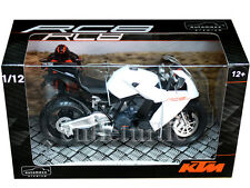 Automaxx 600602 KTM RC8 V-Twin Super Sport Bike Motorcycle 1:12 White