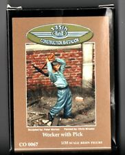 135th CONSTRUCTION BATTALION CO 0067 - WORKER WITH PICK - 1/35 RESIN KIT