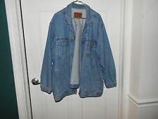 Delta Burke Denim jacket, used in really good condition. looks to be a womens 3x
