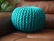 "Hand knitted chunky footstool/repose-pieds/coussin (hauteur environ 10"" largeur 13"")"