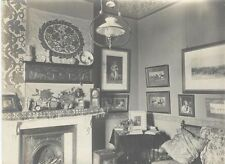 ORIGINAL VINTAGE PHOTOGRAPH OF FAMILY LIVING ROOM W/ PICTURES, PAINTINGS,   MORE