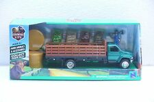 NEW-RAY 1:43 Green Chevy 6500 Diecast Stakebed Truck w Veggies Near O Scale NIB