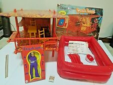 VERY RARE VINTAGE MEGO DINAH-MITE BEACH HOUSE PLAYSET & ACTION FIGURE