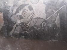VINTAGE WW2 GERMAN NAZI POW HITLER PAINTING CARICATURE XX SWORD RIFLE RARE PHOTO