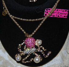 BETSEY JOHNSON  AB CRYSTALS & PEARL OCTOPUS NECKLACE PINK