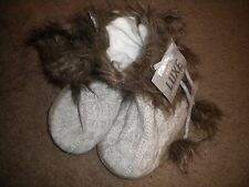 Luxe Knit Collection gray cable knit slipper boots & ties w/faux fur trim NWT L