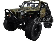 REALTREE 2007 JEEP WRANGLER WITH DOG 1/24 DIECAST MODEL CAR BY JADA 97143