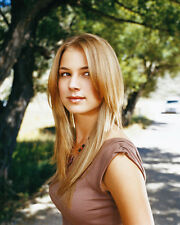 VanCamp, Emily [Everwood] (24538) 8x10 Photo