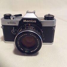 Mamiya NC1000s + SEKOR 50mm F1.7 lente estándar.