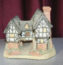 "1981 David Winter TUDOR MANOR HOUSE 4 1/2"" tall x 5"" Very Good Condition C27"