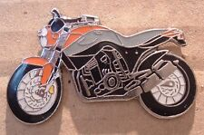 VERY UNUSUAL MOTORCYCLE KTM LC4 UNIT PROTOTYPE PIN BADGE 695 VERY LTD STOCK
