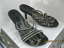 "IOS TRAVEL SMITH Black Gold Leather Strappy Slide In 3"" High Heel Sandal Size 6M"