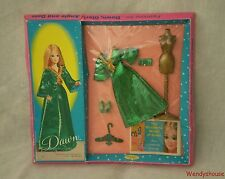 VINTAGE BOXED TOPPER DAWN DOLL GREEN SLINK OUTFIT FREE UK P & P