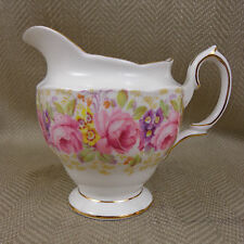 Vintage Royal Albert SERENA Bricco Latte Brocca 839329 Inghilterra BONE CHINA Floreale