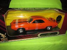 1969 firebird trans am 1/18 ROAD SIGNATURE YAT MING NICE DETAIL see pictures