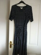 MONSOON NAVY MULTI MINI FLORAL STRETCH JERSEY DRESS. UK 16, EUR 44, US 12 SUPER