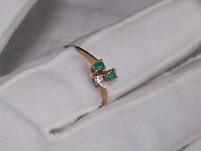 ESTATE 18K YELLOW GOLD GENUINE COLOMBIAN EMERALD SMALL DIAMOND RING