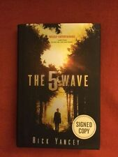 SIGNED The 5th Wave by Rick Yancey HCDJ 1ST EDITION