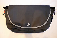 "RICKSHAW Medium Zero Messenger Bag Gray / Holds 13"" MacBook NEW! Free Shipping"
